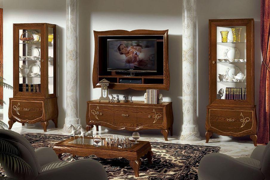 obývací stěna zámeckého stylu