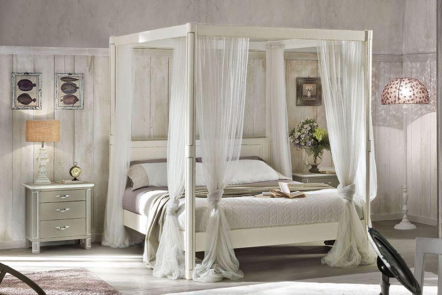 zámecká postel s nebesy jako z pohádky