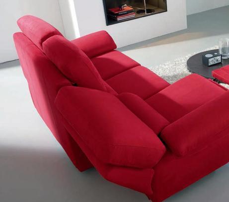 Látková polohovací sedací souprava v červené barvě
