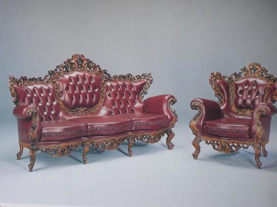 Rustikální sedací souprava Corona, červená kůže, ručně vyřezávané vykládání