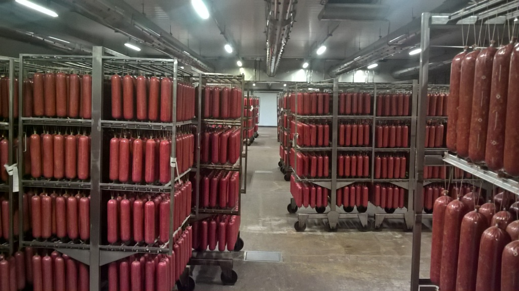 Das größte Fleischkombinat im Russland hat dank unseren Anlagen erneuert.