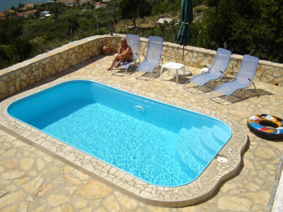 Malé bazény do země