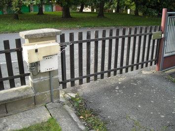 Otvírání brány